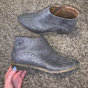 Grey Miia booties with studs